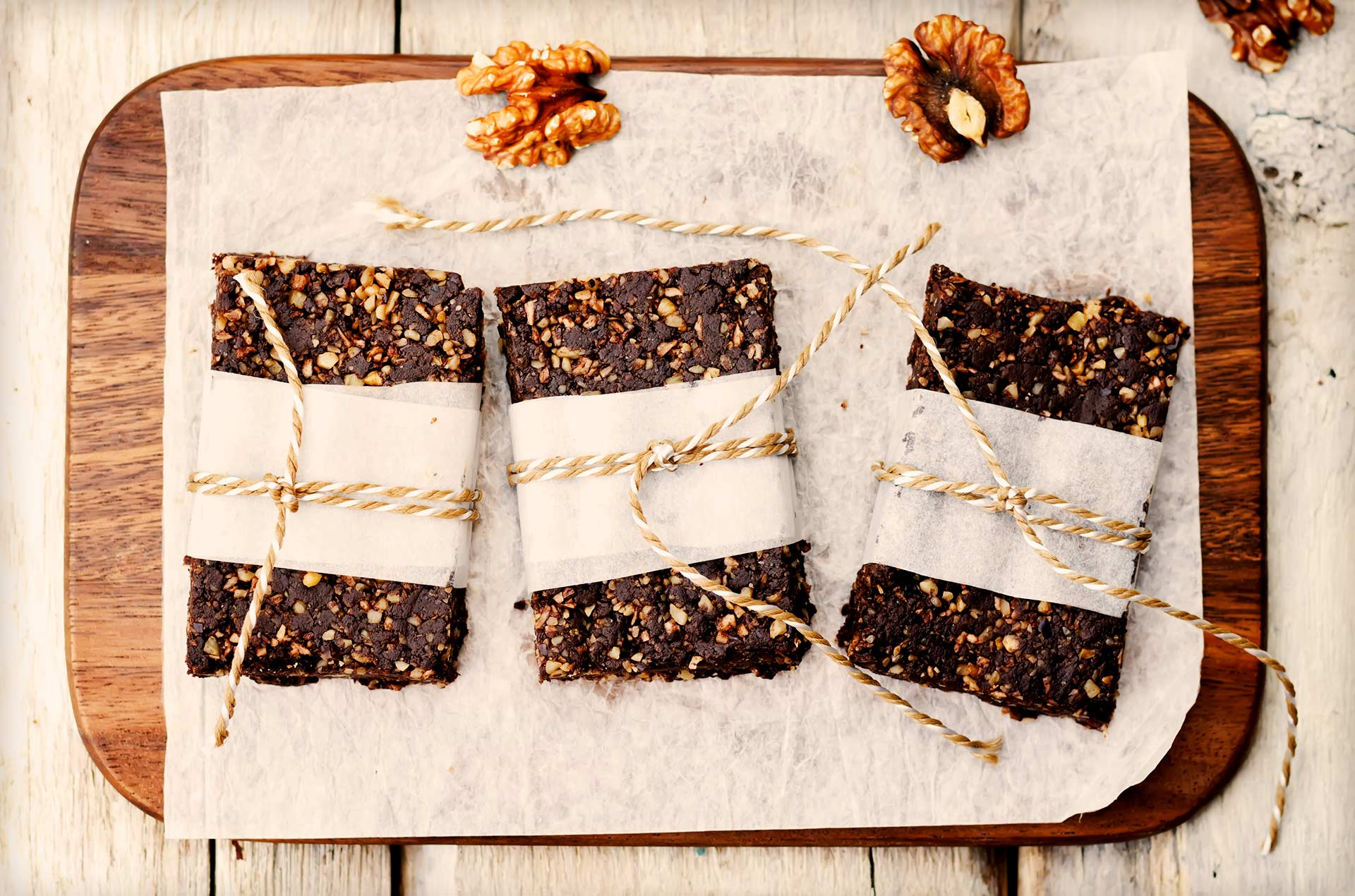 Low carb protein bars on wood